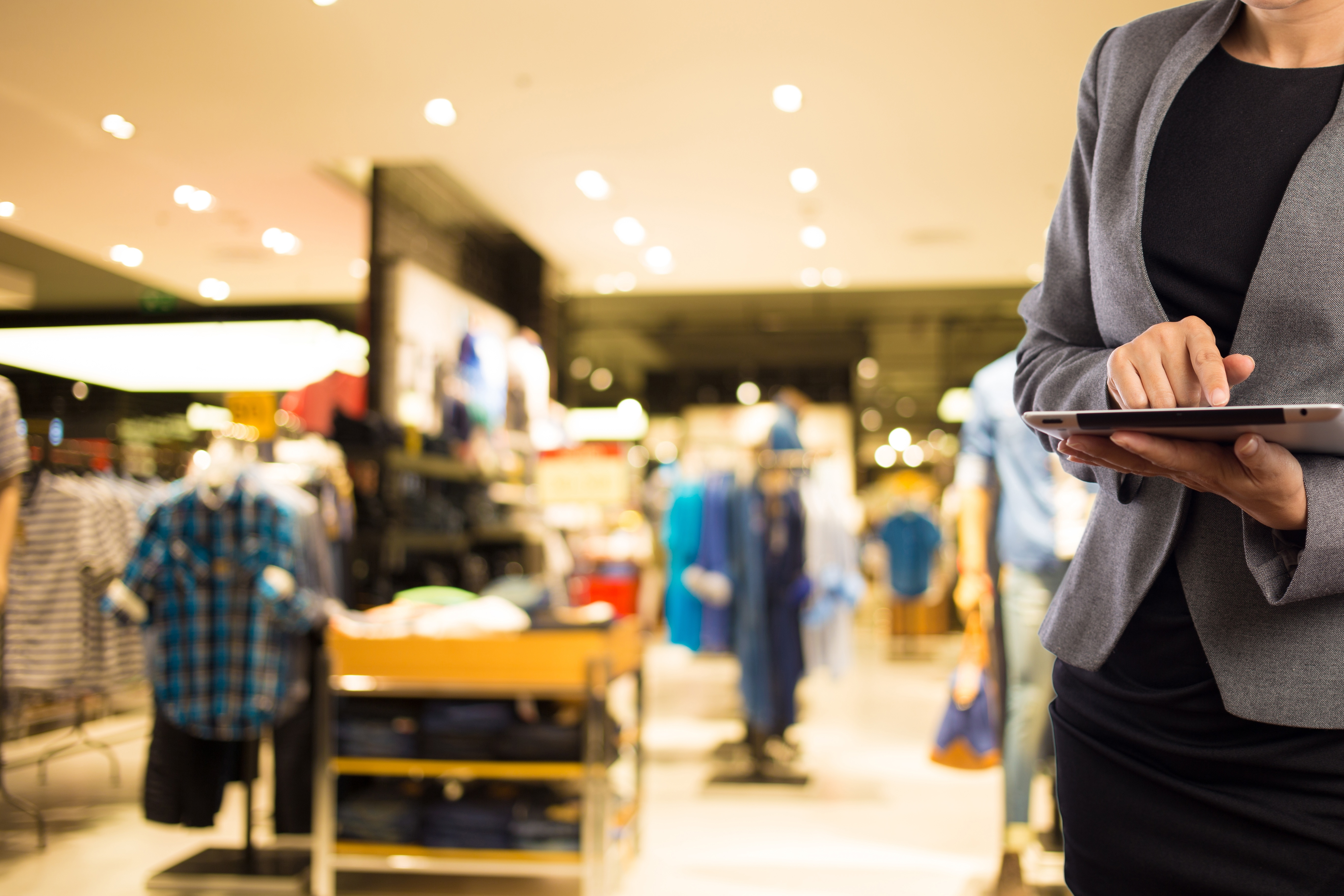 A Guide for Selecting the Best POS Tablet for Retail Business